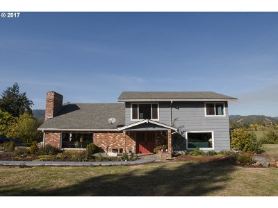 Canyonville Single Family Home For Sale: 4848 Tiller Trail Hwy