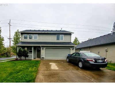 Battle Ground Single Family Home For Sale: 916 NE Grace Ave