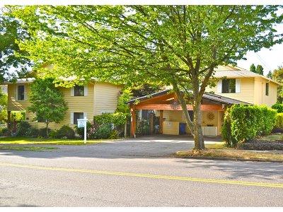Clackamas County, Multnomah County, Washington County Multi Family Home For Sale: 6243 SE Belmont St