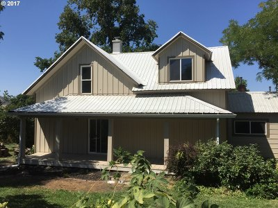 Cove Single Family Home For Sale: 69768 Hwy 237