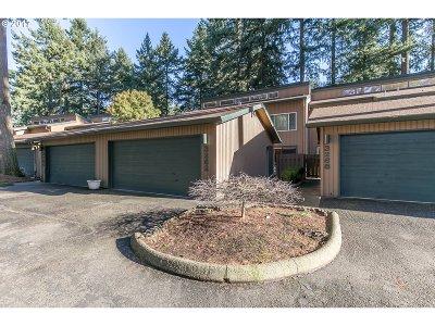 Portland Condo/Townhouse For Sale: 3262 SE 153rd Ave