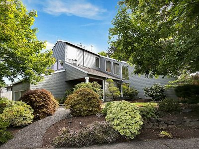 Portland Single Family Home For Sale: 6915 SW Arranmore Way