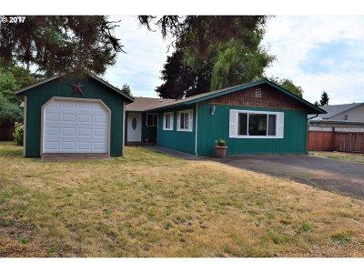 Eugene Single Family Home For Sale: 1902 Monterey Ln