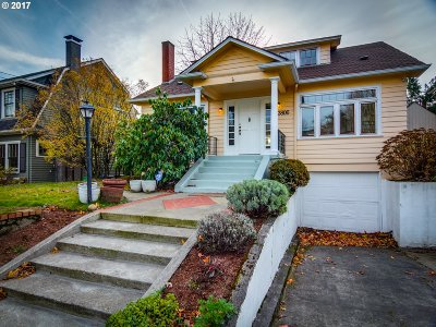 Single Family Home For Sale: 3806 NE Couch St