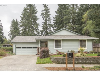 Tualatin Single Family Home For Sale: 10306 SW Chickasaw Dr