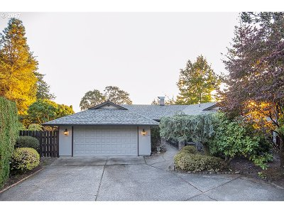 Happy Valley, Clackamas Single Family Home For Sale: 10748 SE 99th Dr
