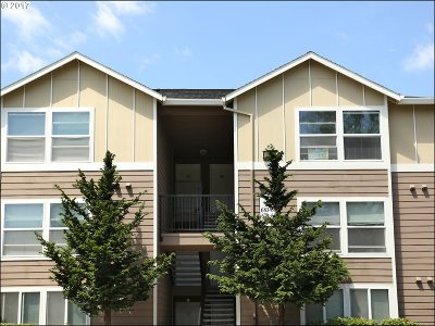 Portland OR Condo/Townhouse For Sale: $162,500