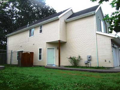 Scappoose Condo/Townhouse For Sale: 52012 Johanna Dr