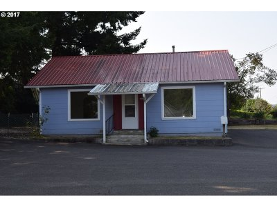 Coquille OR Single Family Home For Sale: $99,500