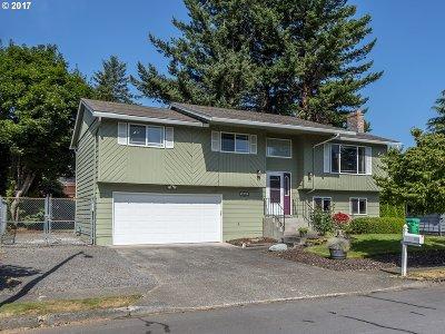 Gresham Single Family Home For Sale: 3863 NE Rene Ave