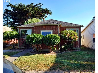 Gold Beach Single Family Home For Sale: 94201 Fourth St