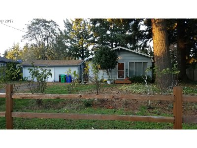 Single Family Home Bumpable Buyer: 18435 SE Mill St