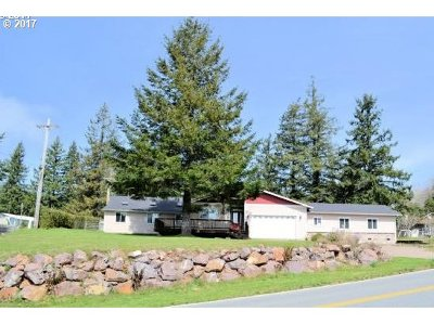 Brookings Single Family Home For Sale: 99243 S Bank Chetco Rd