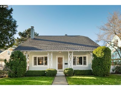 Portland Single Family Home For Sale: 1603 SE 56th Ave