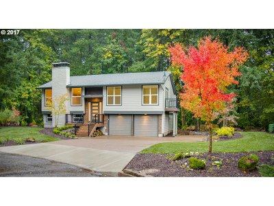 Lake Oswego Single Family Home For Sale: 18866 Indian Springs Cir