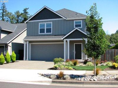 Clackamas Single Family Home For Sale: 14296 SE Sierra Dr