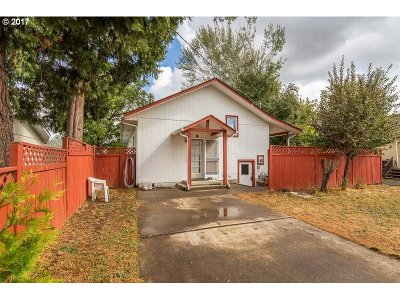Cottage Grove, Creswell Single Family Home For Sale: 86 S 3rd St