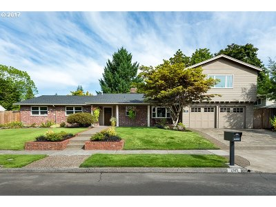 Clackamas County, Multnomah County, Washington County Single Family Home For Sale: 2365 SW Winchester Pl