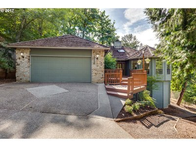 Tigard Single Family Home For Sale: 11330 SW Ambiance Pl