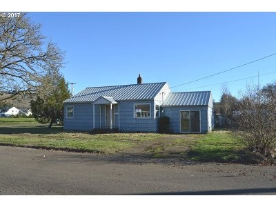 Clackamas County, Columbia County, Jefferson County, Linn County, Marion County, Multnomah County, Polk County, Washington County, Yamhill County Single Family Home For Sale: 235 NW Florence St