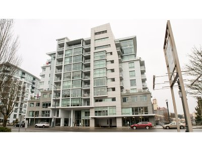 Portland Condo/Townhouse For Sale: 1260 NW Naito Pkwy #308