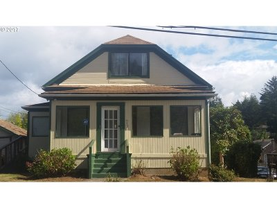 Coos Bay Single Family Home For Sale: 970 N 10th