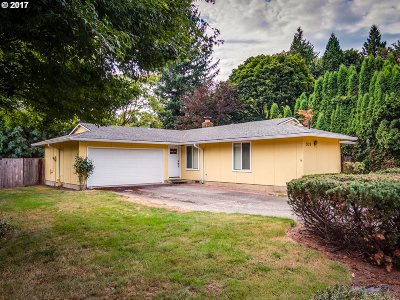 West Linn Single Family Home For Sale: 2424 Margery St