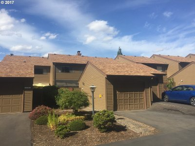 McMinnville Condo/Townhouse For Sale: 1245 NW Michelbook Ln