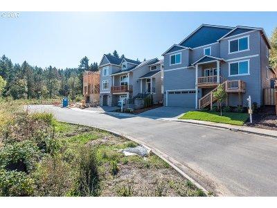 Beaverton Single Family Home For Sale: 19256 SW Cedarview Ln