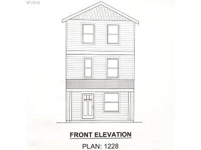 Single Family Home For Sale: 11655 SE Powell Blvd