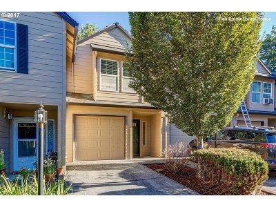 Oregon City, Beavercreek Condo/Townhouse For Sale: 13949 Beavercreek Rd #116