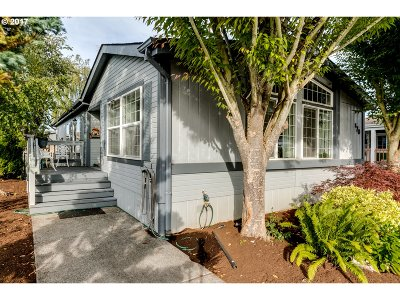 Eugene Single Family Home For Sale: 1699 N Terry St Space 170
