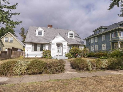Portland Single Family Home For Sale: 2825 N Willamette Blvd