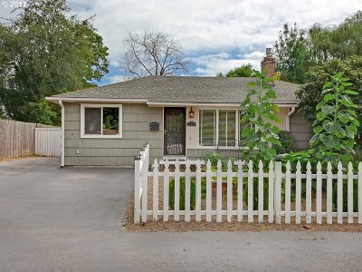 Single Family Home For Sale: 170 SW 137th Ave
