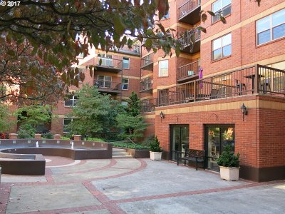 Portland Condo/Townhouse For Sale: 1500 SW Park Ave #231