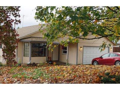 Sandy Single Family Home For Sale: 18355 Dahlager St