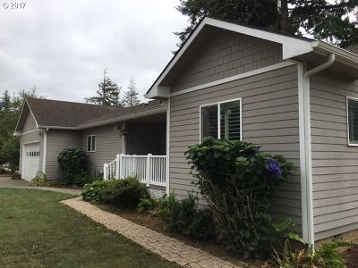 Bandon Single Family Home For Sale: 1156 12th St
