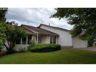 Gresham Single Family Home For Sale: 2442 SW Tegart Ave