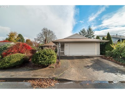 Tigard Single Family Home For Sale: 10420 SW Century Oak Dr