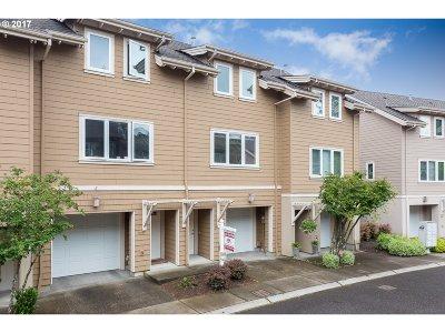 Portland Single Family Home For Sale: 10234 NW Alder Grove Ln