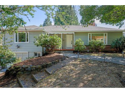 Portland Single Family Home For Sale: 7826 SW 5th Ave