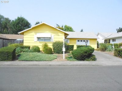 King City OR Single Family Home For Sale: $260,000