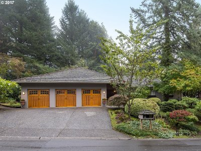 Lake Oswego Single Family Home For Sale: 16 Cellini Ct