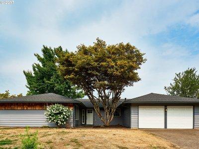 Milwaukie Single Family Home For Sale: 6309 SE Pine Creek Way