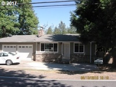 Single Family Home For Sale: 5845 SW Vermont St