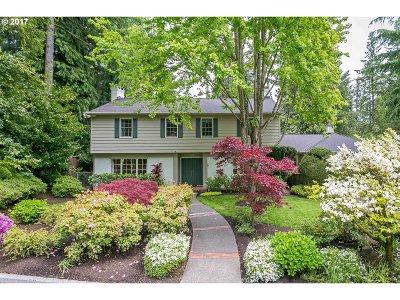 Lake Oswego Single Family Home For Sale: 481 Iron Mountain Blvd