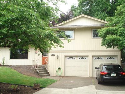 Single Family Home Sold: 14274 SE Hill Terrace Ct