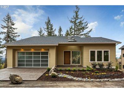 Portland Single Family Home For Sale: 4506 SW Ormandy Way