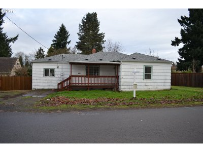 Keizer Single Family Home For Sale: 681 Dietz Ave