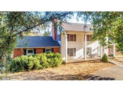 Newberg Single Family Home For Sale: 21315 NE Highway 240